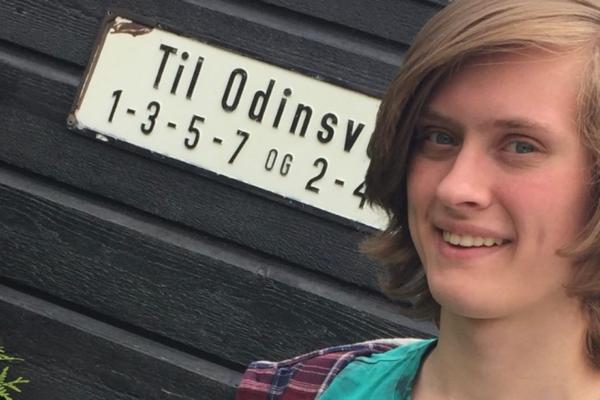 Nå gjør politiet nytt søk etter Odin André Hagen Jacobsen (29).Et vitne så han langs en skogssti dagen etter han forsvant
