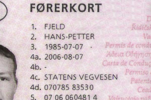 I Norge er det rundt 140.000 nordmenn som sitter med gamle førerkort, som snart går ut på dato