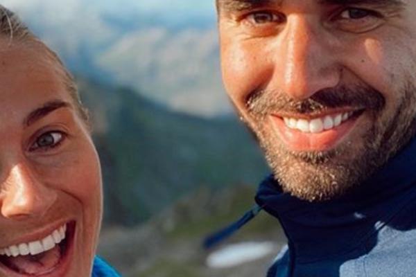 Charlotte Jacobsen (27) avslører at hun og kjæresten har forlovet seg