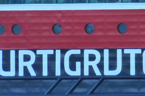 Et barn under ti år er blant de smittede etter en tur med Hurtigruten