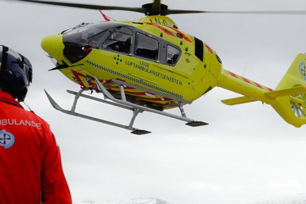 TV2: Mor og barn fløyet til sykehus etter ulykke