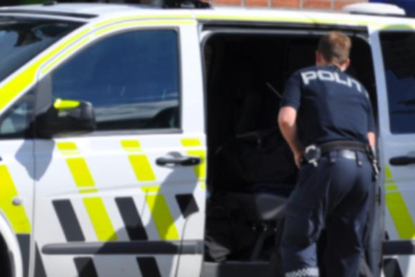 Flere ble knivstukket  – kvinne er pågrepet av politiet