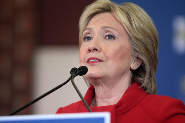 Hillary Clinton og datteren produserer en dramaserie