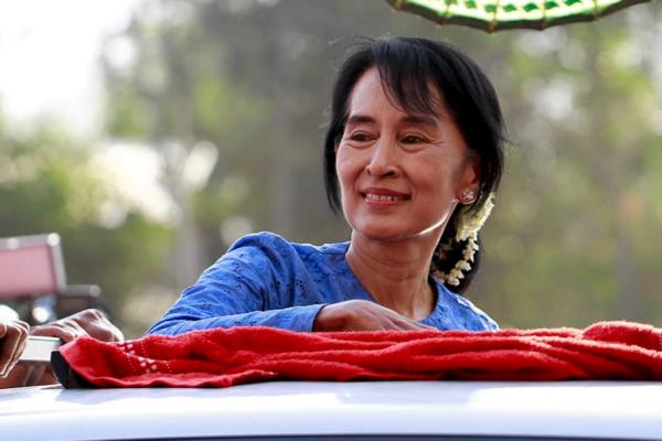 Det er tatt ut nye siktelser mot Aung San Suu Kyi