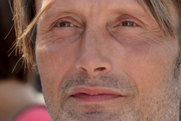 Mads Mikkelsen (55) skal spille mot Harrison Ford (78) i «Indiana Jones 5»