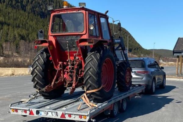 Og hvem vet vel hva en traktor veier?