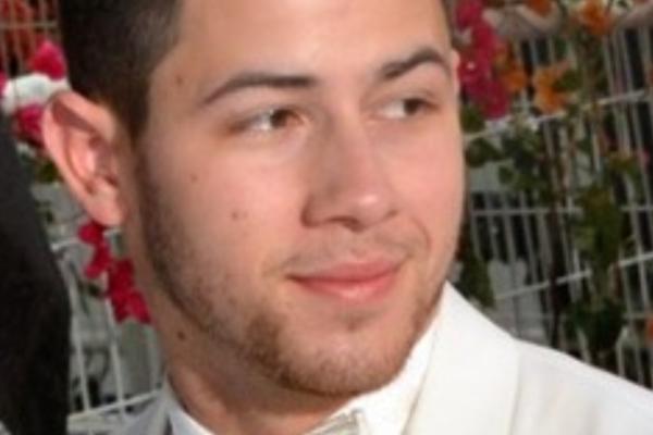 TMZ: Nick Jonas (28) til sykehus etter å ha skadet seg på innspilling