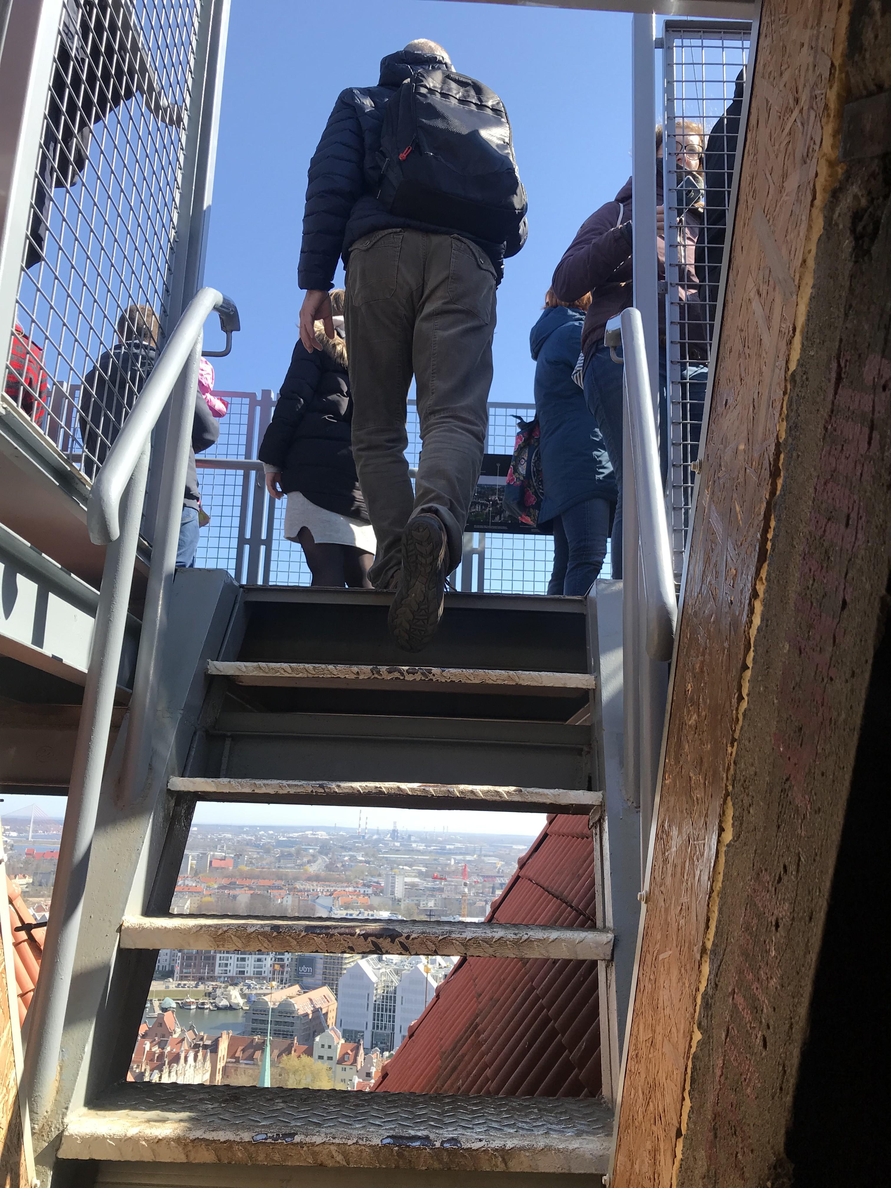 f43951c1332 Må innrømme at jeg flere ganger hadde lyst til å gi opp og gå ned igjen pga  høyden. Men så møtte jeg 2 damer som var på vei ned igjen fra toppen ...