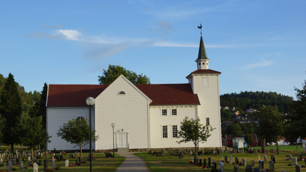 Lyngdal kirke
