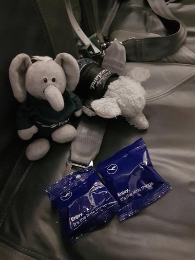 the latest ce214 33549 Gutta godter seg i det stille over at Pappa fikk laks på samtlige  flyvninger, mens de selv fikk diverse karamellpuddinger og på siste  flighten stikker ...