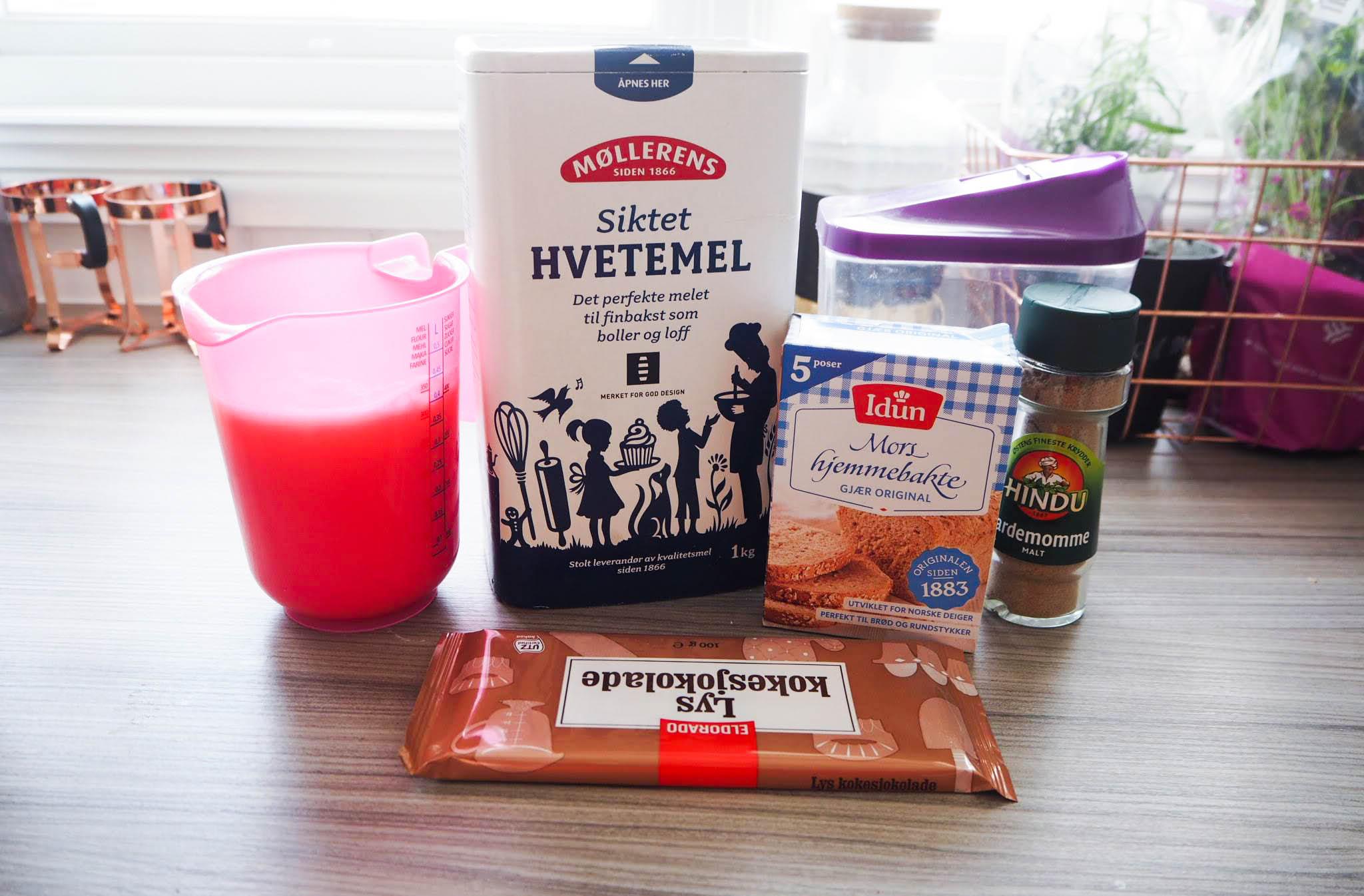 Ingredienser til fastelavensbolle
