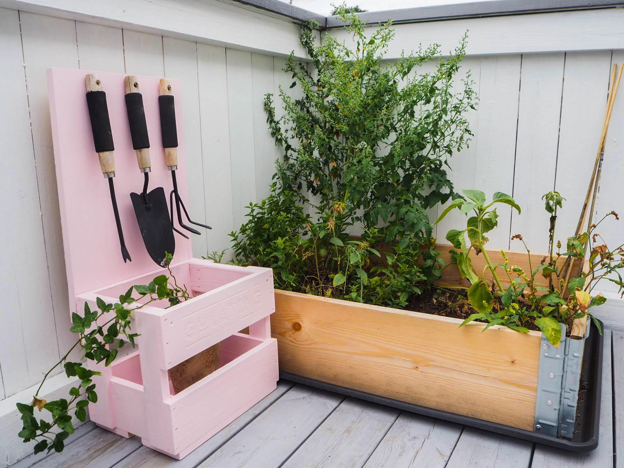 DIY – Verktøystativ for verandahagen