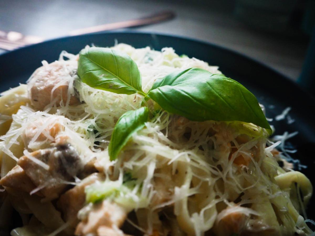 Bilde av kremet pasta med laks