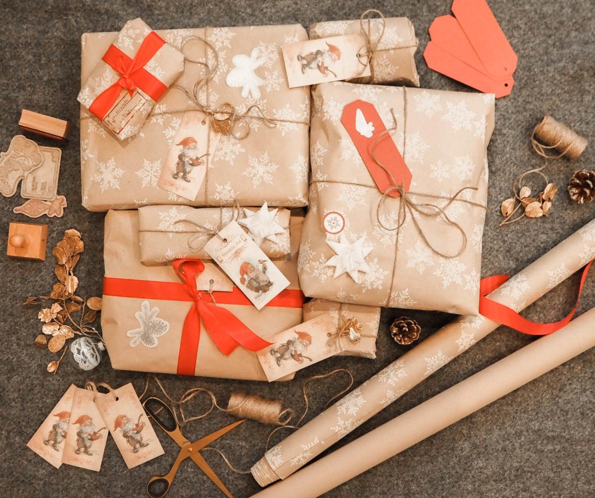 Julegaver og julepynt