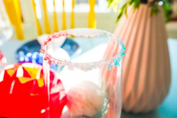 DIY – Fargerik sukkerkant på champagneglasset