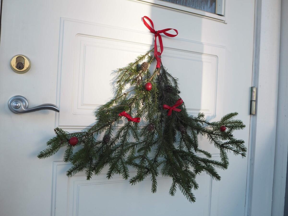 Julebusk på døra