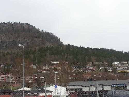 Landevei; Kolsås – Kirkerudbakken…