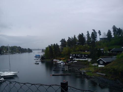 Landevei; Nesøya rundt….