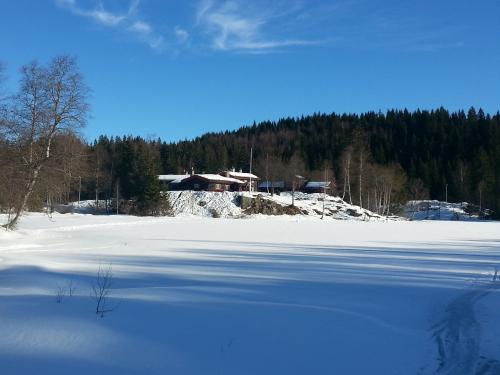 Skitur i Nordmarka; Tryvannstua – Glåmene – Kikut….