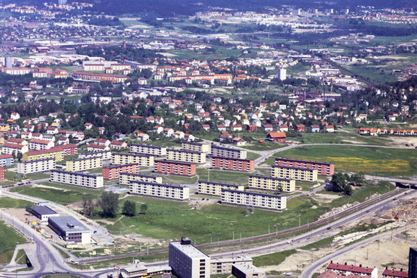 Langs landeveien fra Haraløkka til Høyenhall, Ryen, Skullerud…..