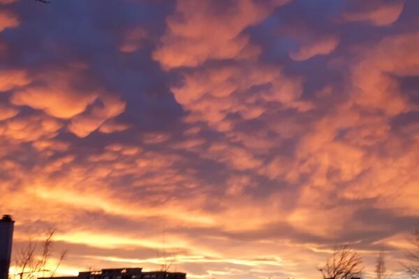 Kveldstur i flott solnedgang; Haraløkka – Haugerud – Tveita….