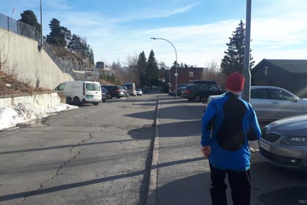 Løpetur langs landeveien litt rundtomkring……