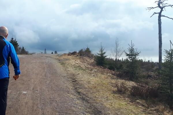 Østmarka; Vårtur på blå sti til Kroktjern og Branntårnet……