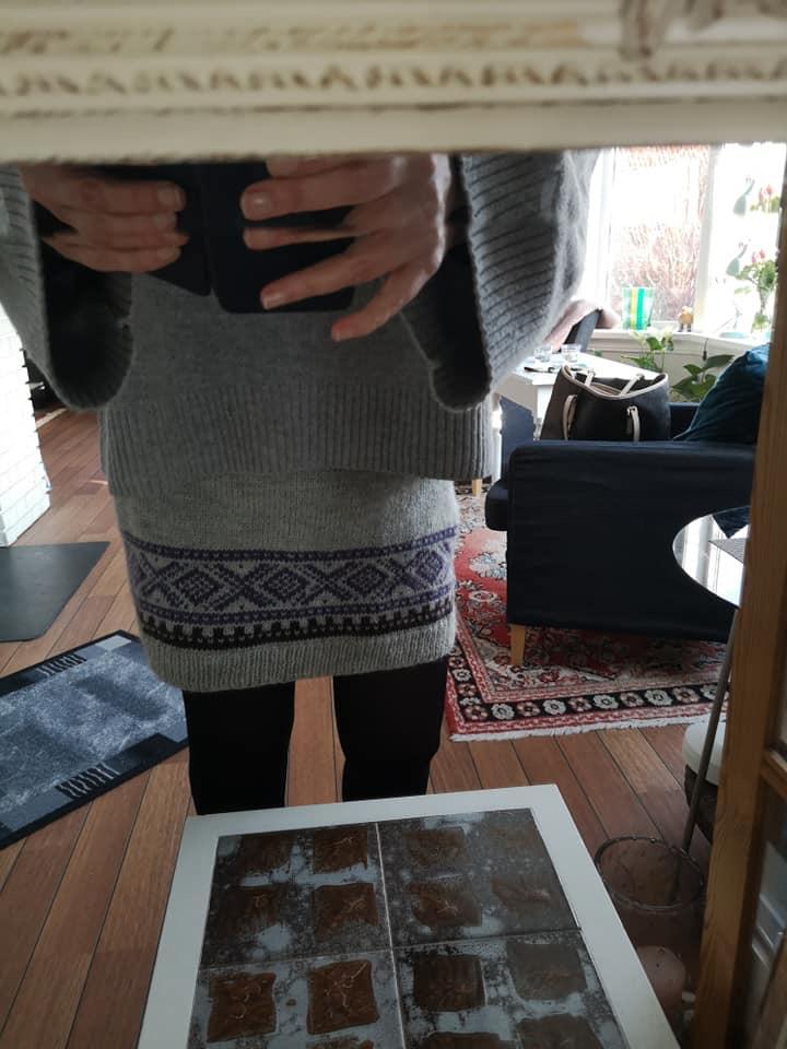 396052e2 Jeg strikket dette Mariusskjørtet for 2 år siden. Liker det godt. Men  glemmer å bruke det. Oppskrift i Marius strikkebok. Original er i Sandnes  alpakka.