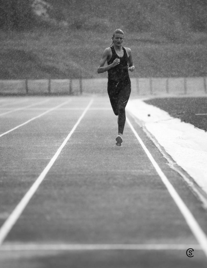 acb783d5 Runners High? er noe som har oppstått etter at mange løpere har rapportert  følelsen av lykke, glede, overskudd, og at de har følt seg høy på seg selv  og ...
