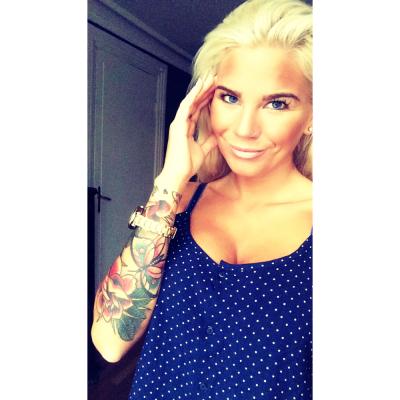 Helene hadde alltid drømt om en «long sleeve» tatovering. En