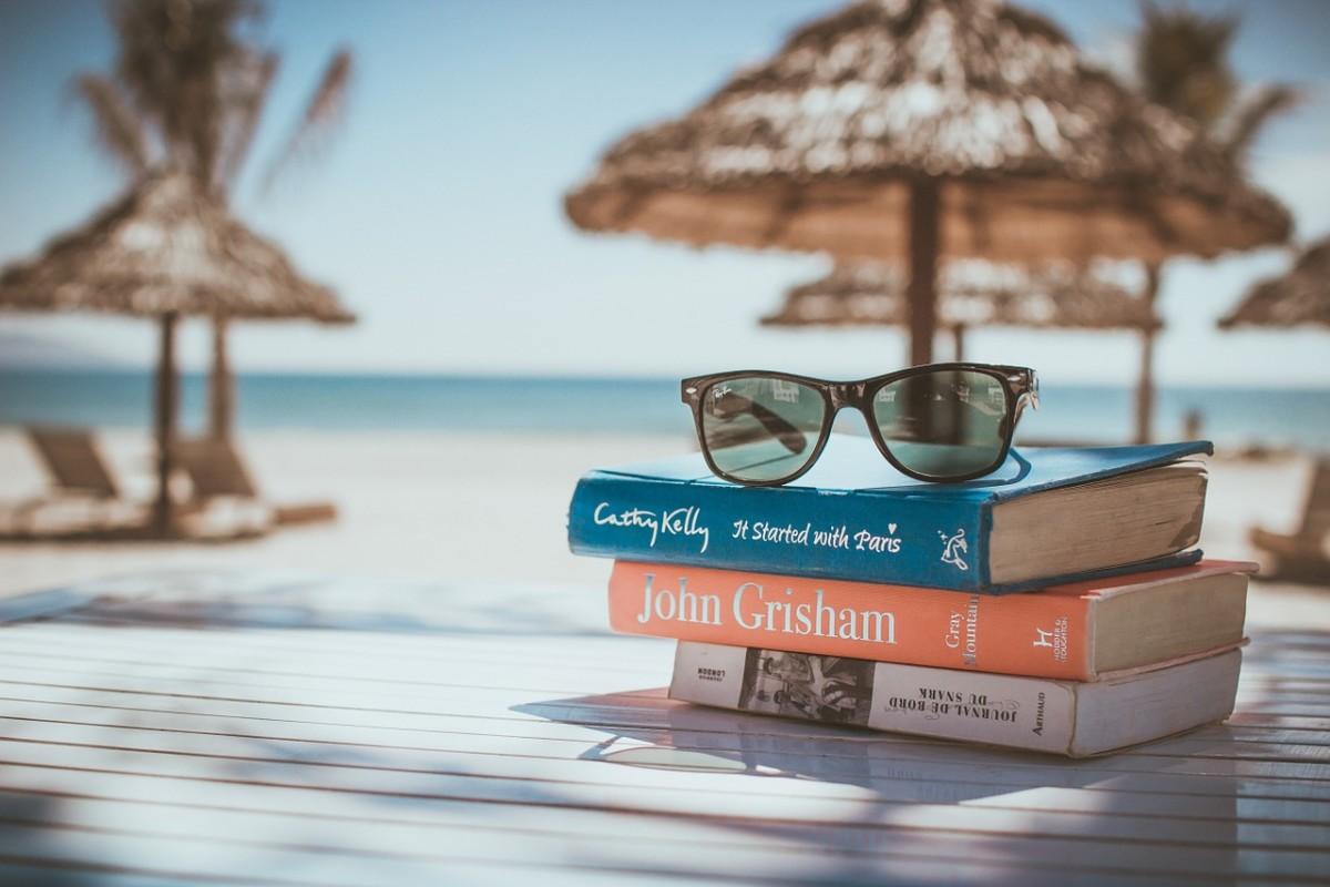 288fad44 Nå som vi nærmer oss sommer og ferie så er tiden inne for å planlegge  sommerlektyren. Jeg erfarer at det finnes de som sier at de kun leser bøker  i ferien.