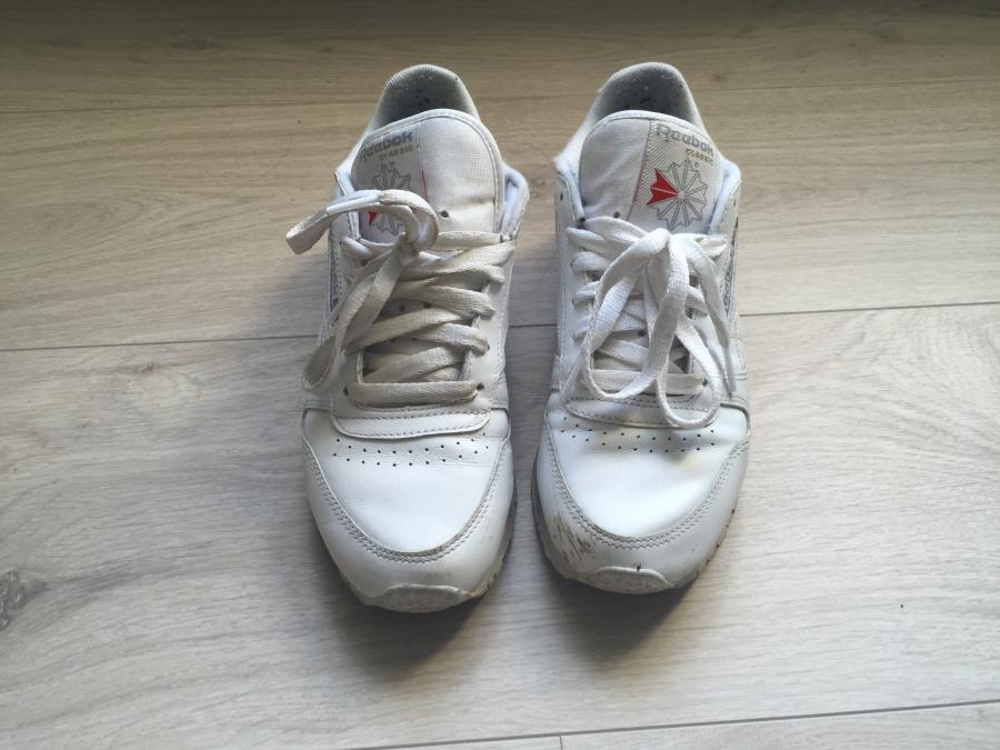 80d8e7c1 ... om hvordan holde hvite sko hvite så måtte jeg bare prøve det på Reebok  skoene mine, og jeg må si, jeg er utrolig fornøyd med hvor godt det  fungerte!