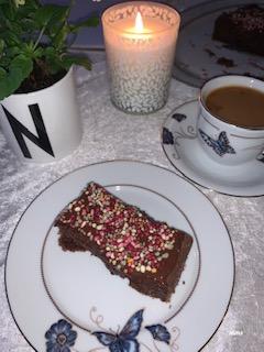 Sjokoladekake med havregryn og svarte bønner