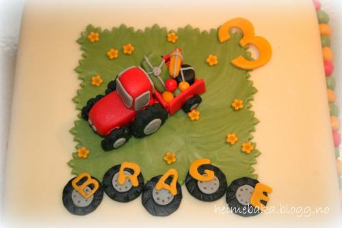 Kake med traktor til 3 årsdag