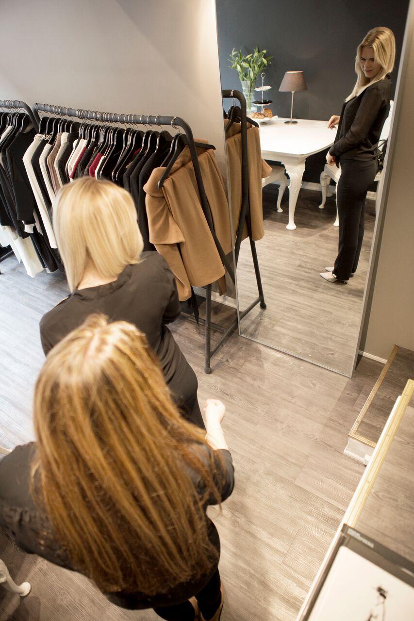 33ff68f1 Kathrine driver ikke bare en vanlig klesbutikk og hun er heller ikke en  slik masete butikkansatt som jeg vanligvis får hetta av.
