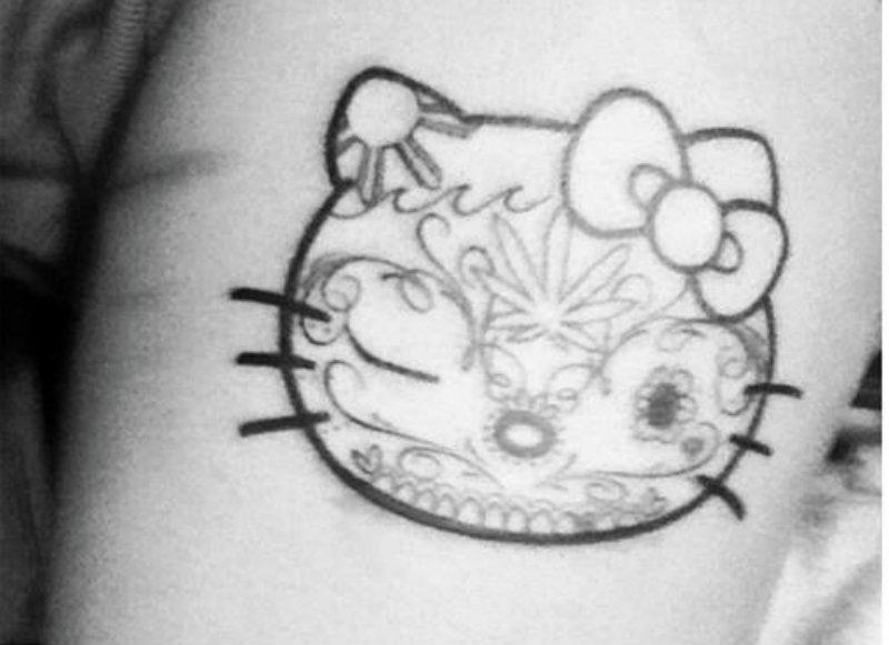 tatovering svart fitte