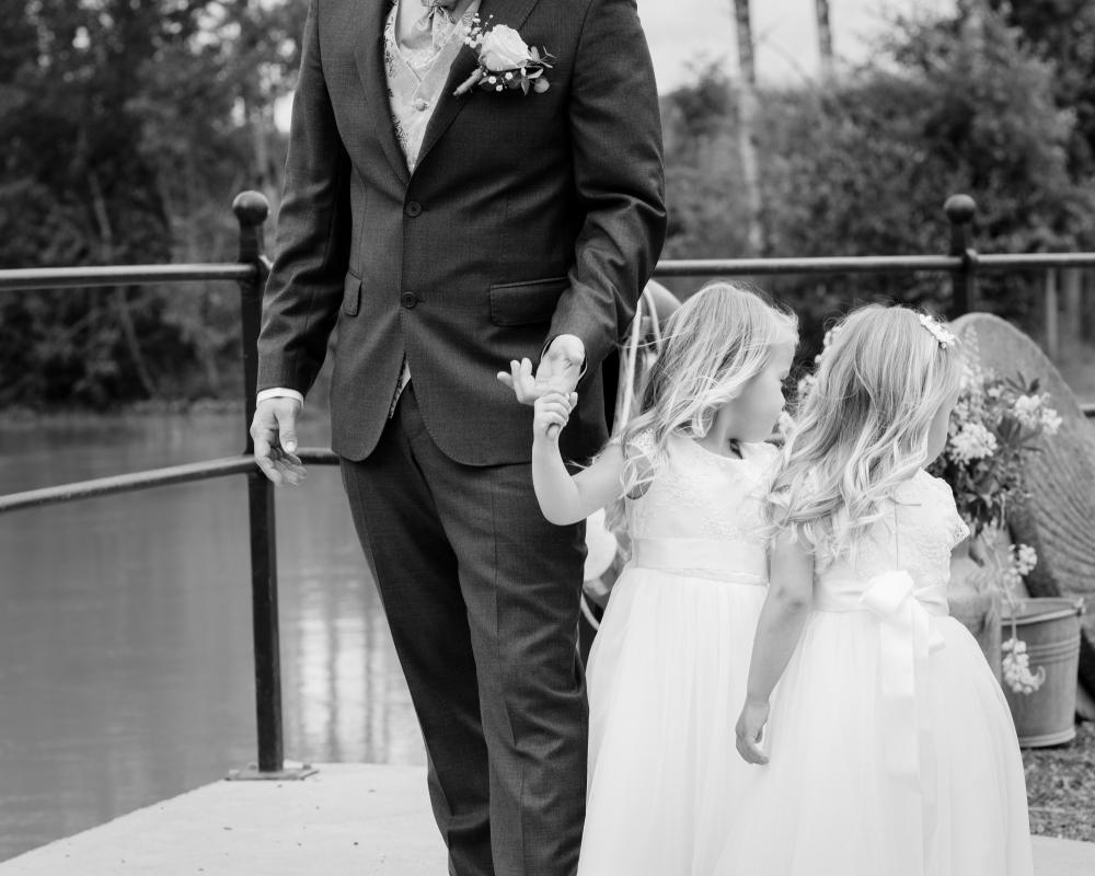 8ca5e28a8e5a E) Bryllup 2017 – Speiltvillingene