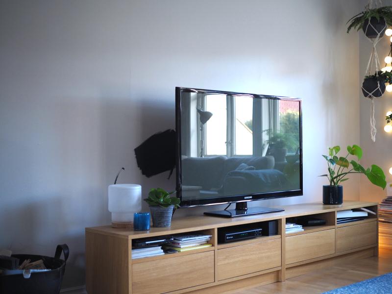 Oppdatert Kona til – TV-veggen før og nå GM-77