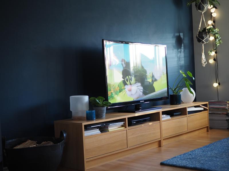 Siste Kona til – TV-veggen før og nå QV-93