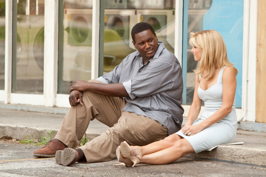 BS-16478 QUINTON AARON as Michael Oher and SANDRA BULLOCK as Leigh Anne Tuohy in Alcon EntertainmentÕs drama ÒThe Blind Side,Ó a Warner Bros. Pictures release.