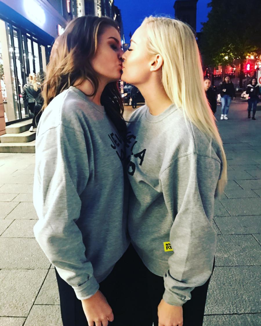MILF og sønn å ha sex