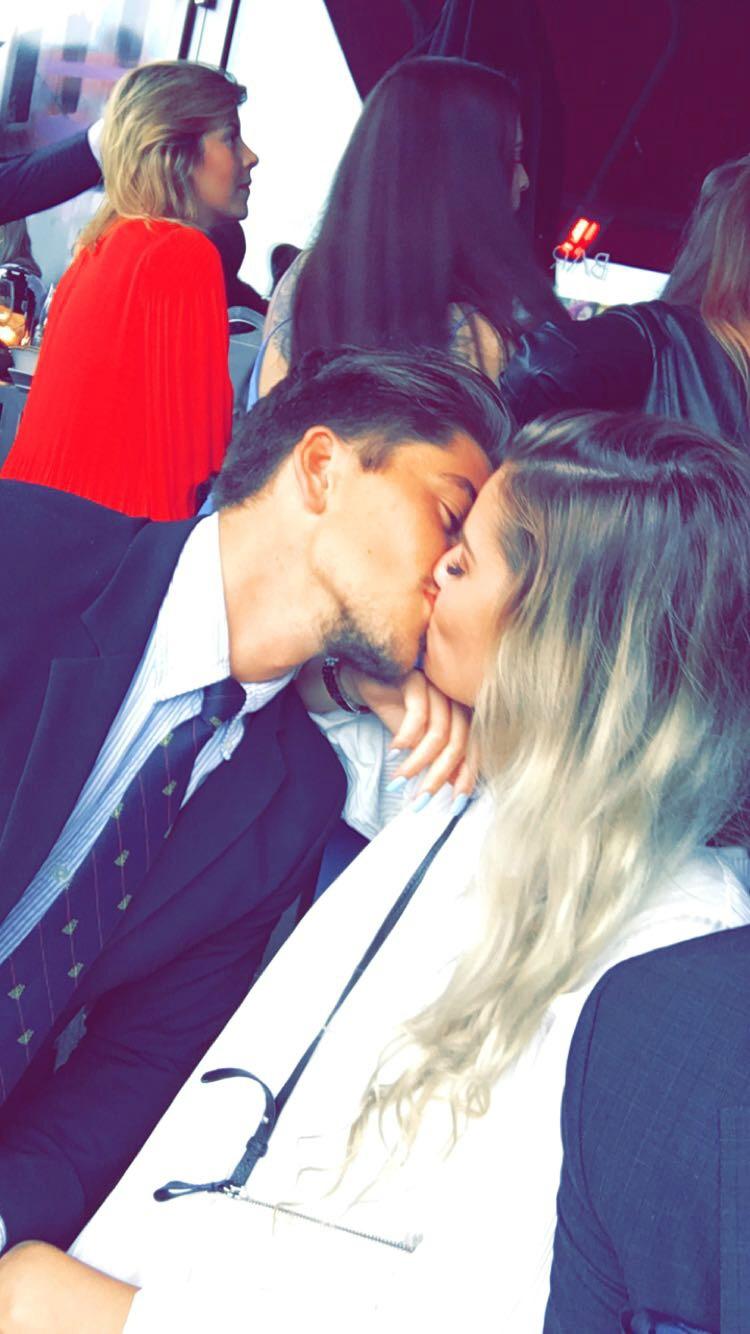 Når første kyss dating
