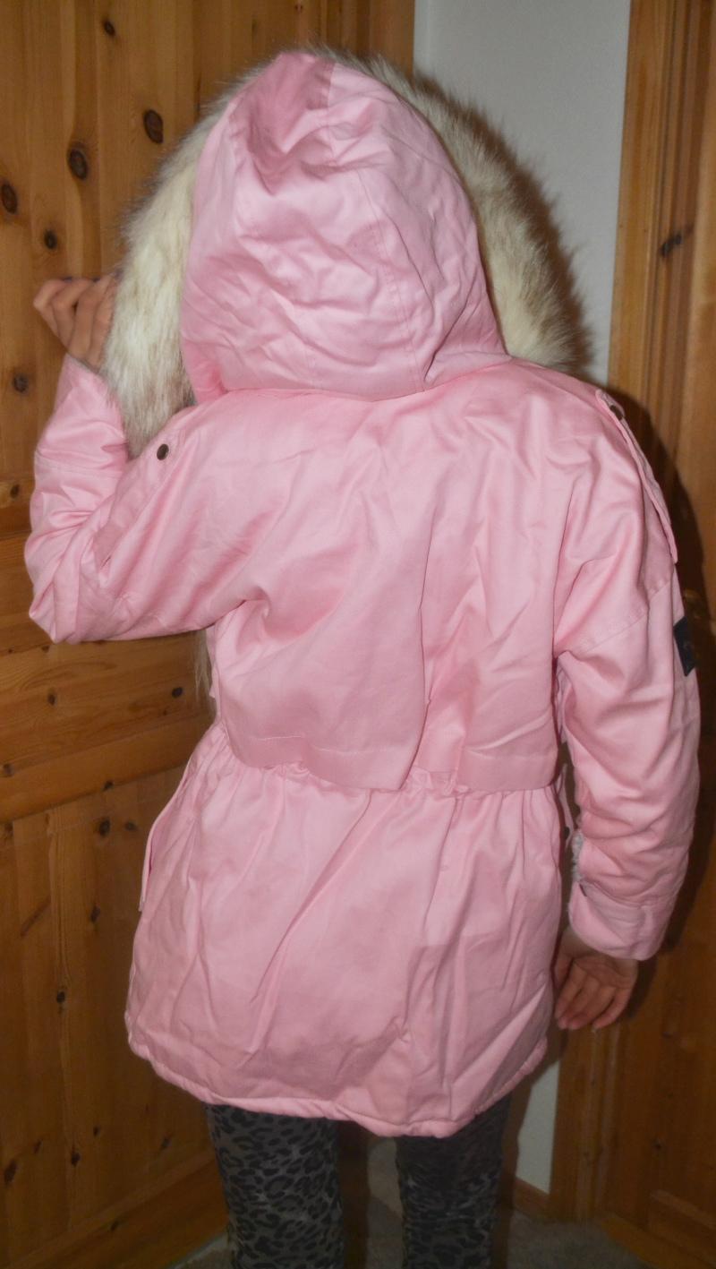 4c1e3e4e Rosa parkas med fuskepelsHER , Blondegenser/kjole HER og leopard-kosebukse  HER( den er helt herlig å ha på!)