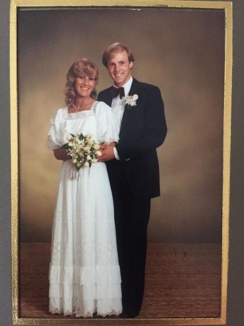 Bestilte brudekjoleprøving i hemmelighet Underholdning