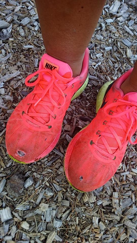 c4ac02b3 ( Når skoa har vært med på noen søvnløse døgn tidligere… Var ikke mor som  fikk nye sko denne sommeren heller.)