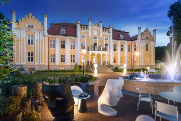 Hotell Quadrille og restaurant Biały Królik i Gdynia – en reise til Eventyrlandet