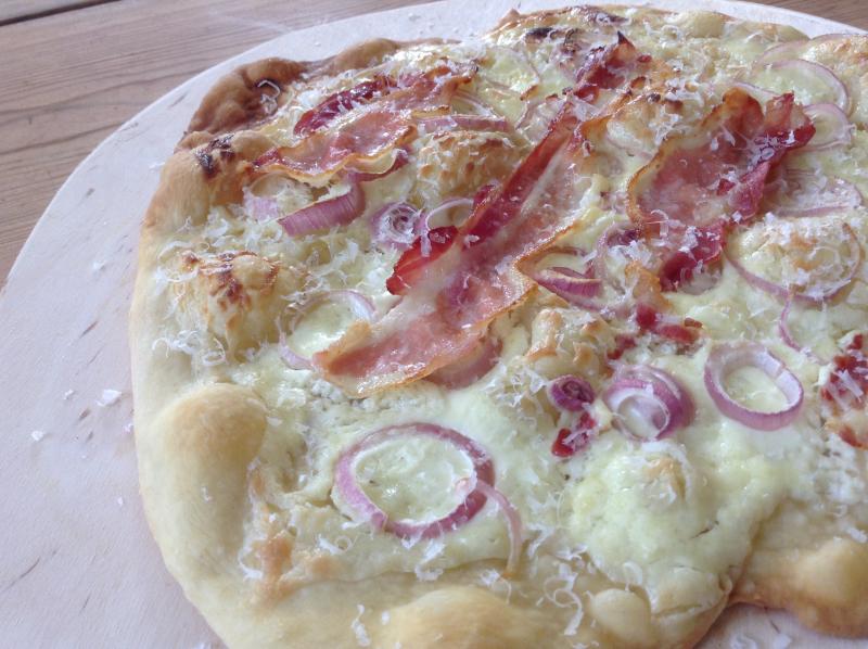 Italiensk pizza med fire forskjellige fyll
