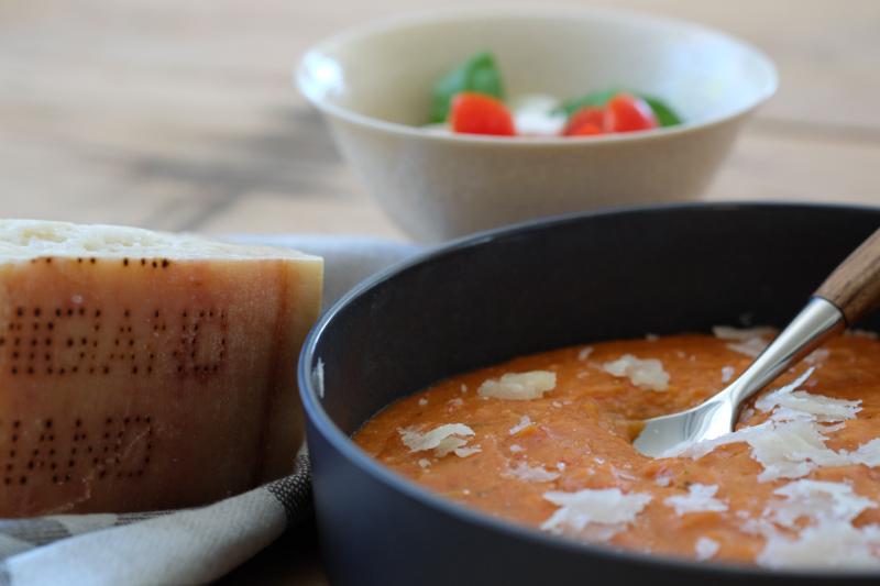 Brød- og tomatsuppe