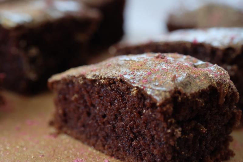 Supersaftig sjokoladekake i langpanne