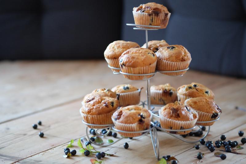 Muffins med blåbær og hvit sjokolade